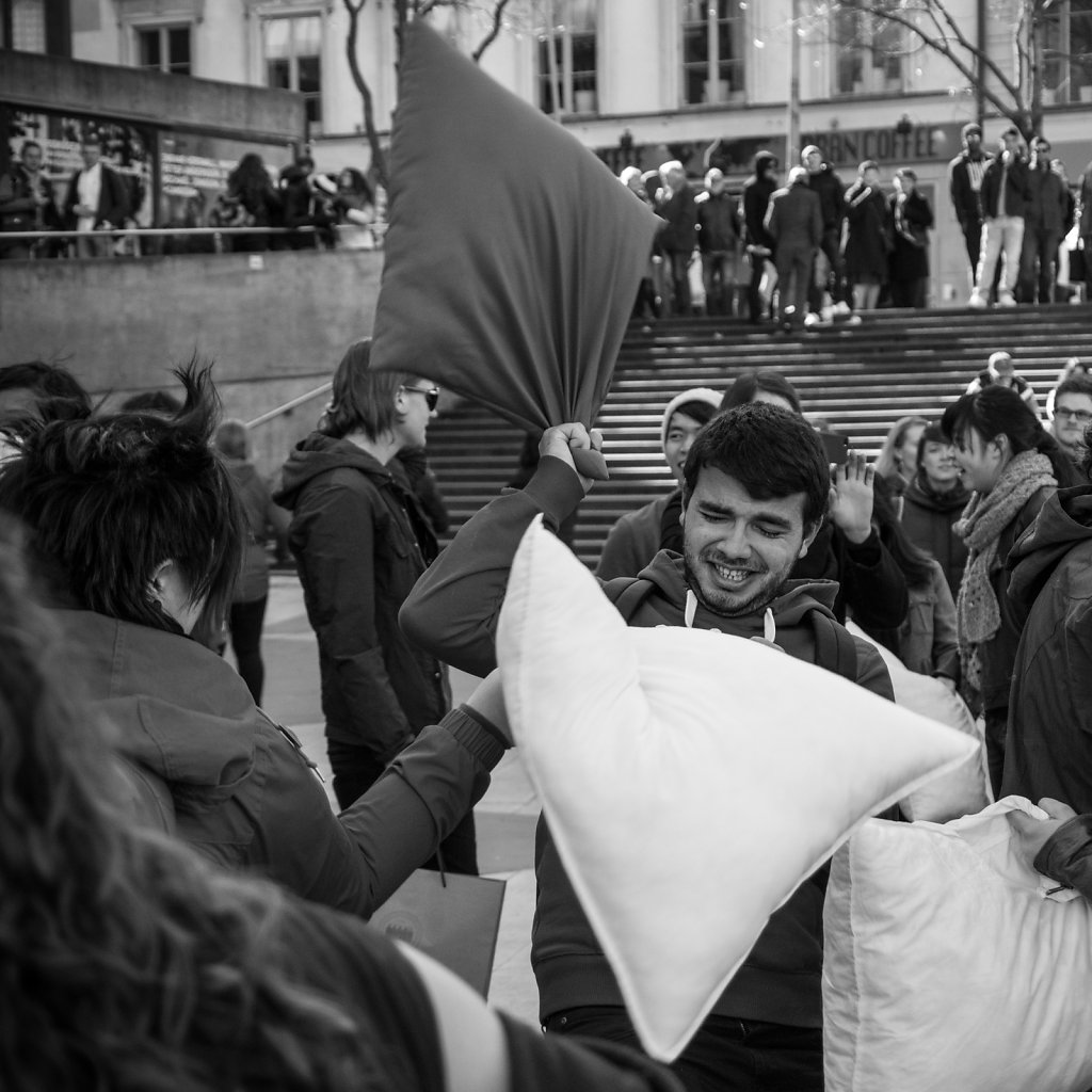Pillowfight 15